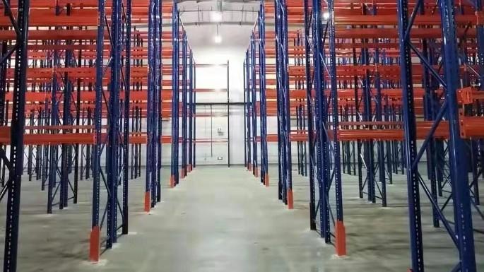 山东某药业集团重型货架案例