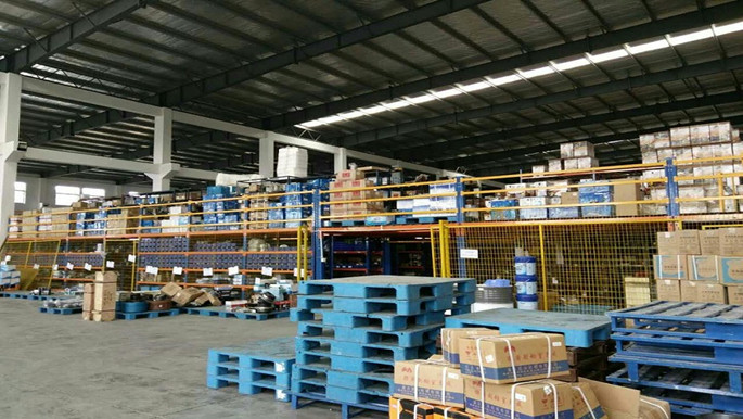 电子厂选货架,看江苏钢平台提升两倍存储率