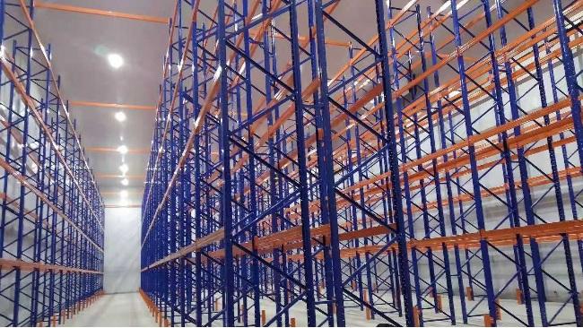 兰州冷链项目贯通式和横梁式组合货架案例