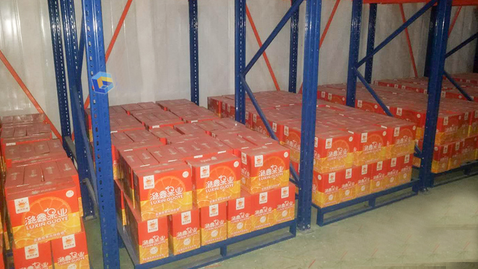 国德货架为昆明某水果批发厂家设计定制贯通货架