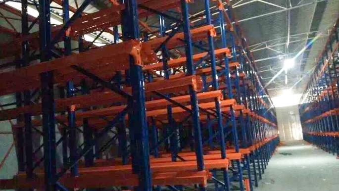 某化工企业贯通式货架圆满完工